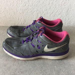 Girls Nike DUAL FUSION LITE Running shoes size 5Y